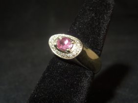 17: 14kyg Pink Sapphire Ring