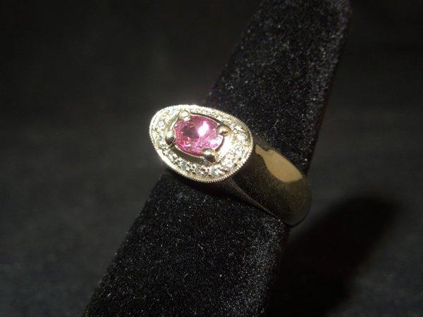 17: 14kyg Pink Sapphire Ring