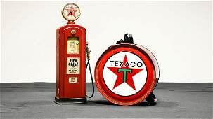Texcao Gas Pump and 5-Gallon Oil Can Decorator Items