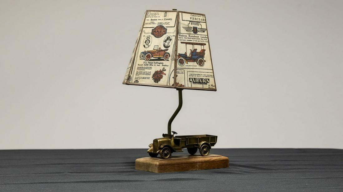 Chevrolet Dealer Promotion Truck Table/Desk Lamp