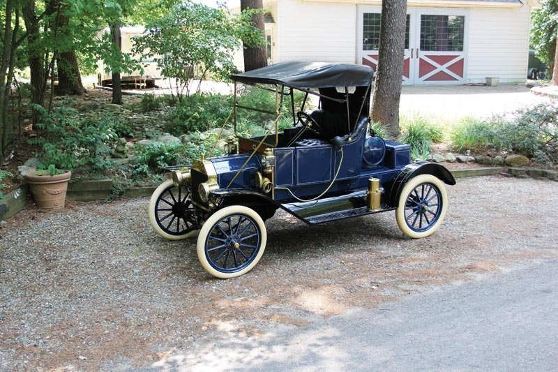 2: 1912 Ford Model T Torpedo Runabout
