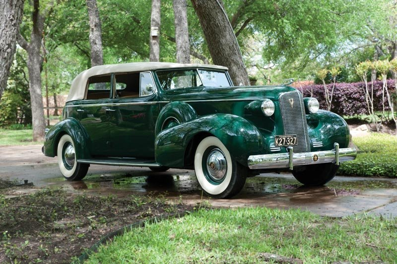 112: 1937 Cadillac  Series 85 Convertible Sedan