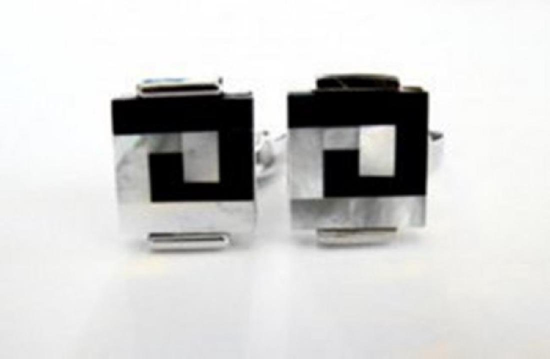 Men Cufflink with Mabe Pearl /Onyx 18k W/g Overlay
