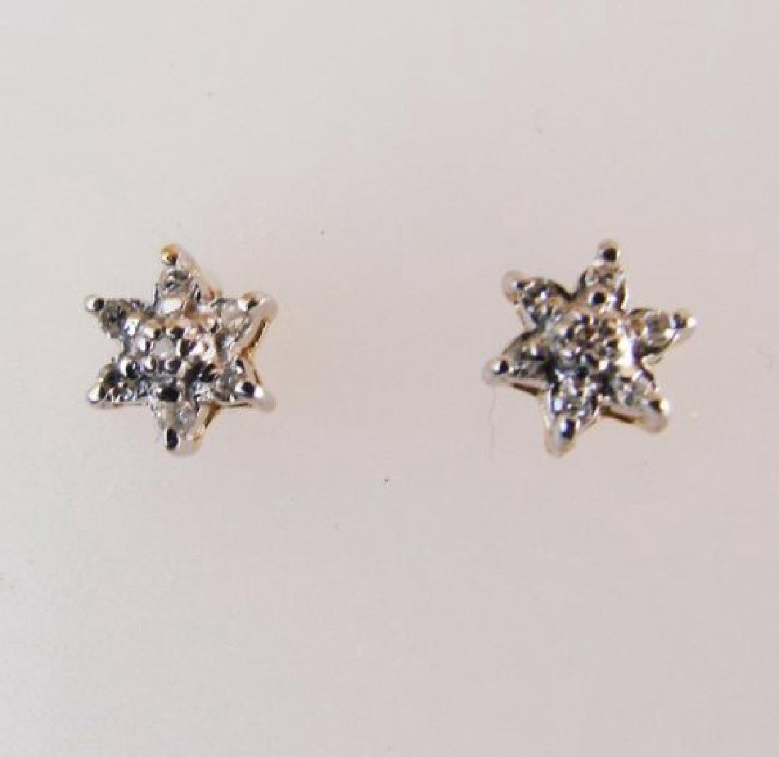 Diamond Flower Stud Earring .12 Ct 14k Y/g