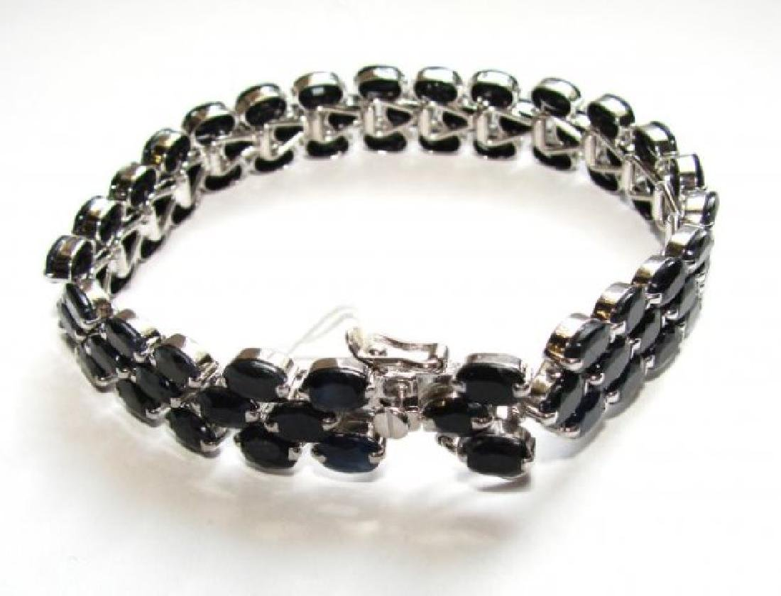 Natural Blue Sapphire Bracelet 17.30CT 18kW/g Over