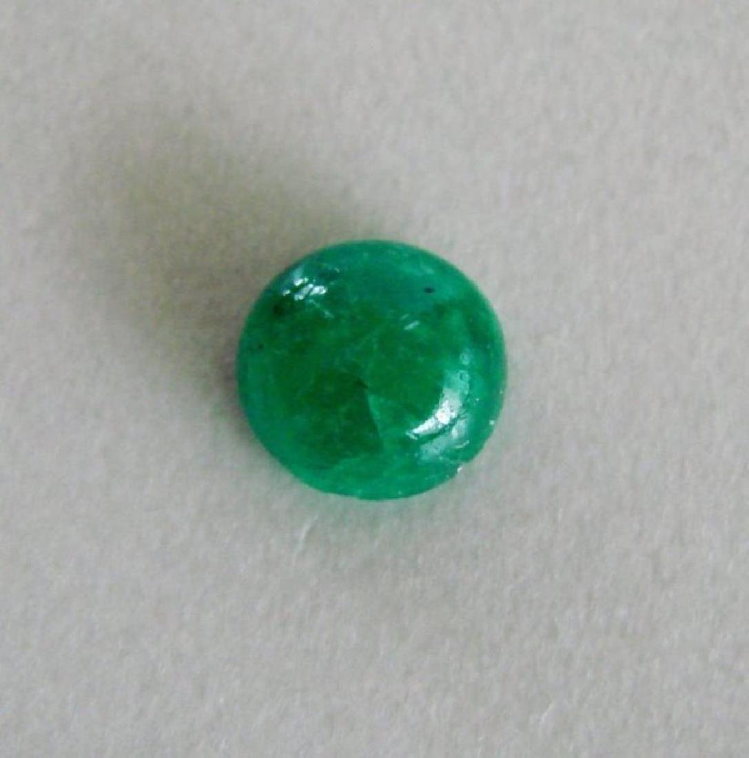 Colombial Emerald Round Cabochun 2.67Ct 8.8x5 mm