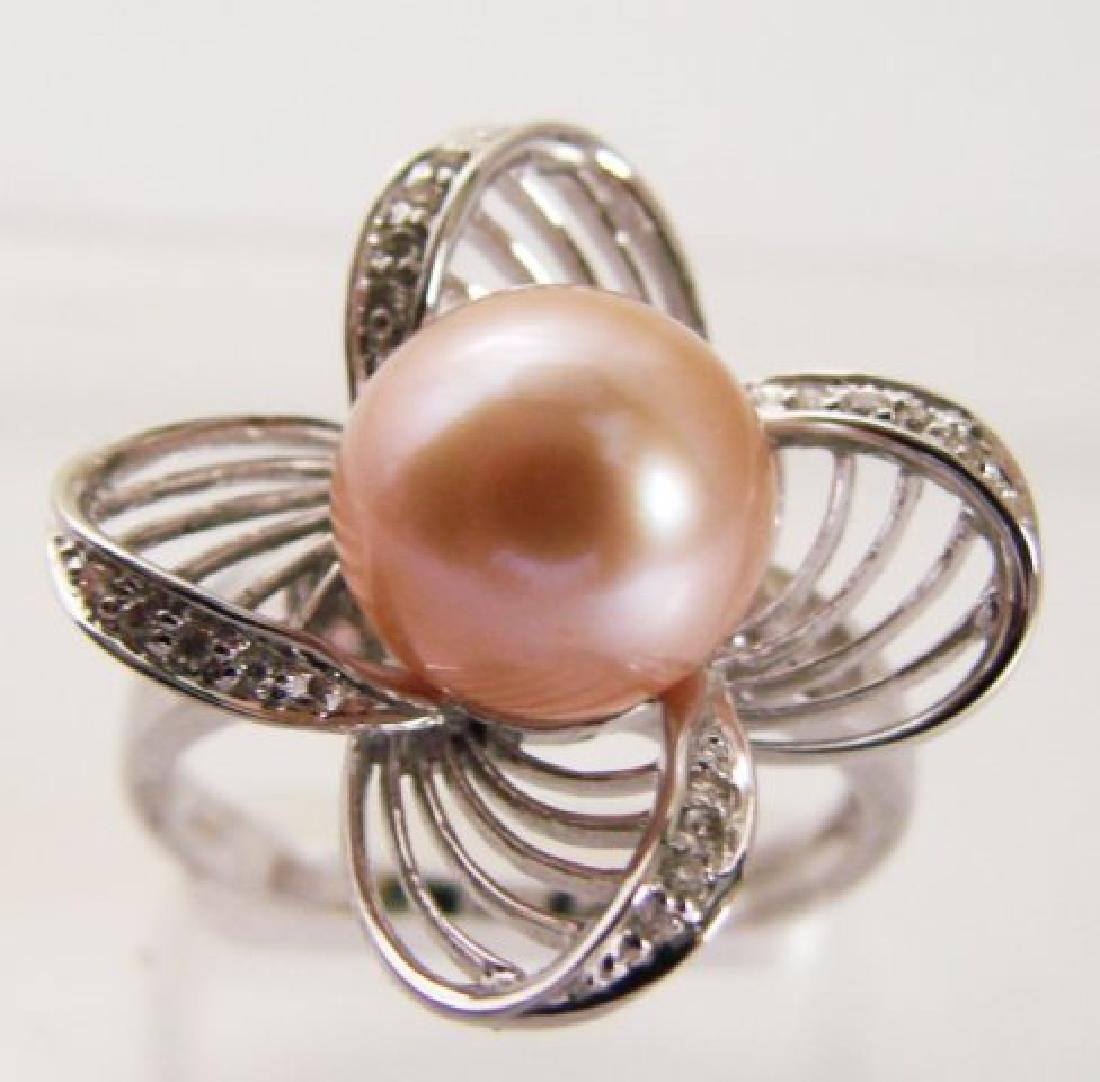 9.5mm Culture Pearl and Diamonds Ring .15Ct 14kW/g