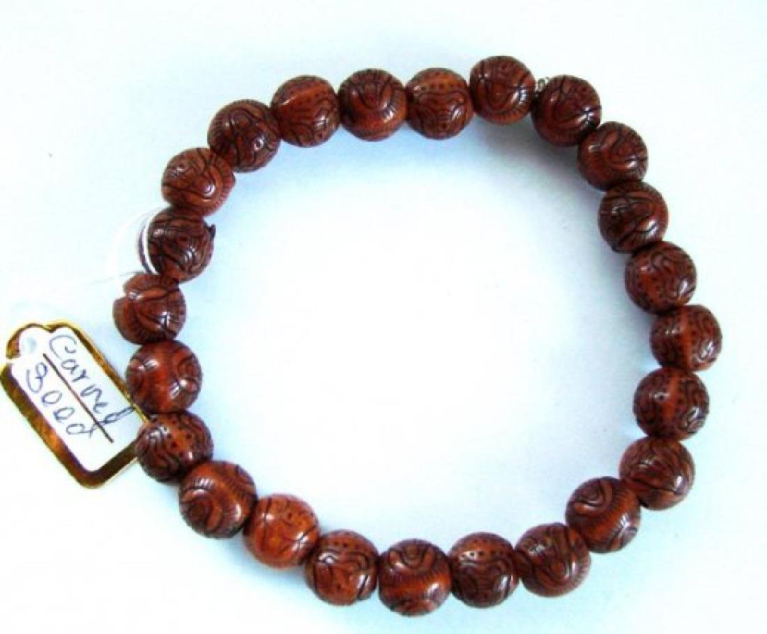Guanyin Buddha Hand Craved Natural Wood 10 mm - 2