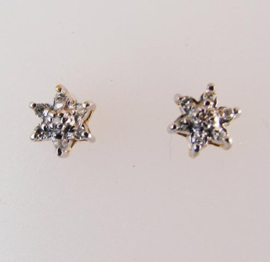 Diamond Flower Stud Earring .12 Ct 14k Y/g