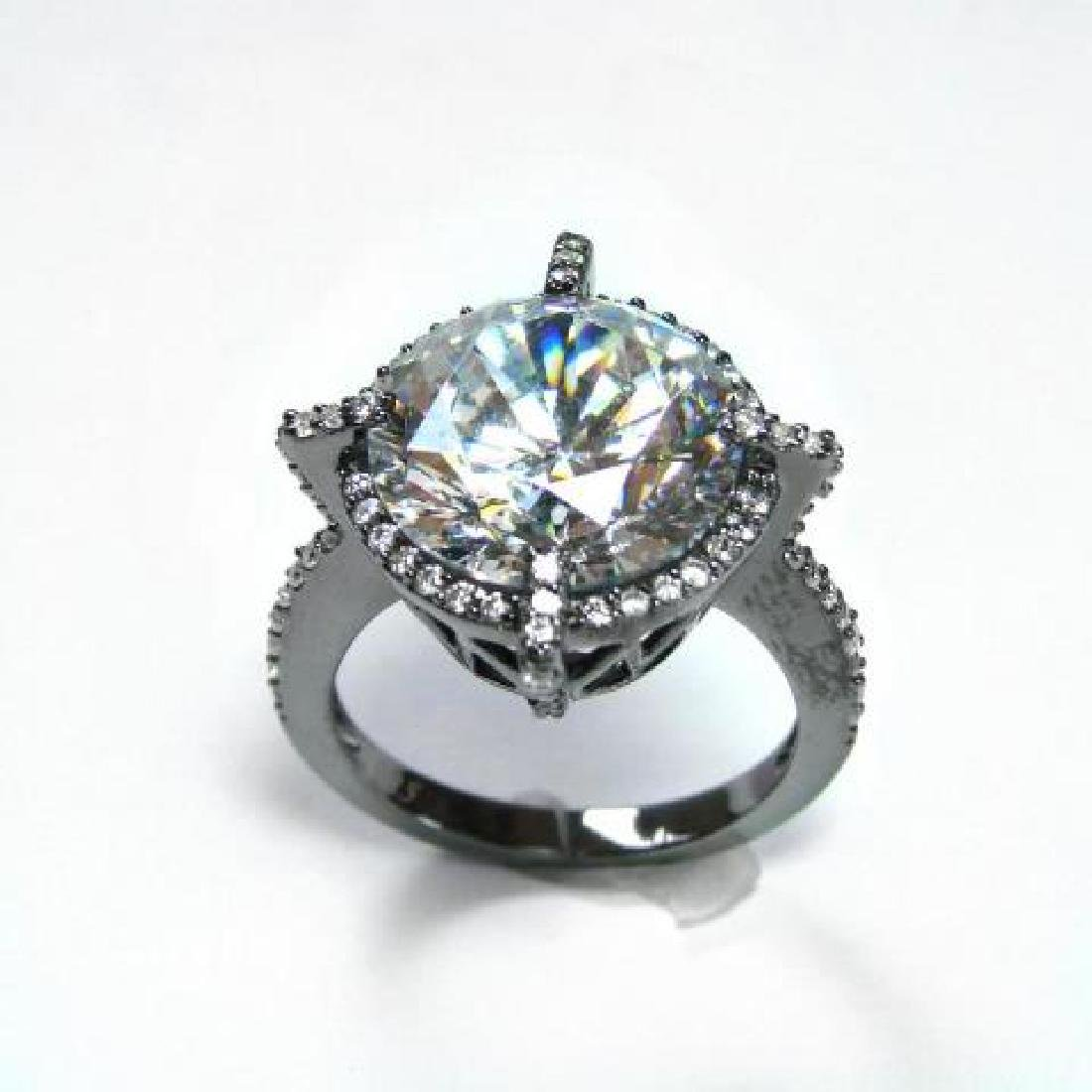 Creation Diamond/ 5.32 Carat 18k B/g Overlay