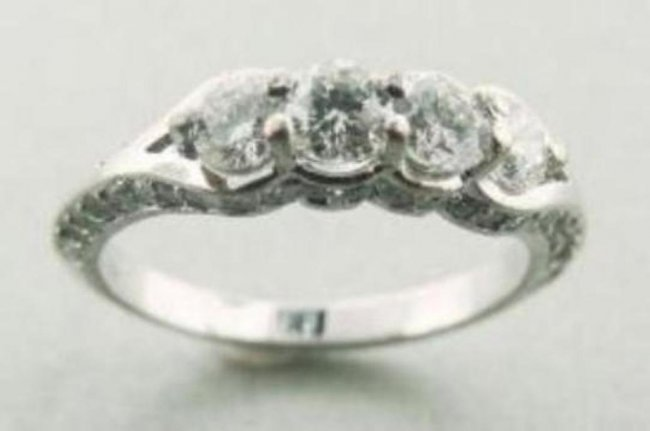 395: Engagement Ring 1.30 Carat with Solid 14k W/g