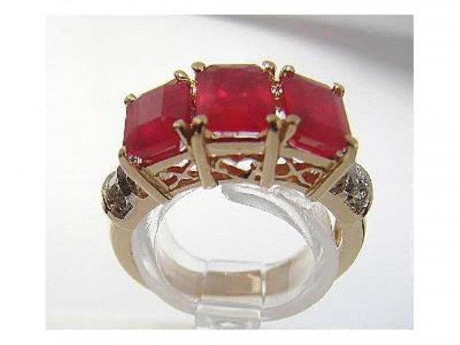 396: Ruby Ring 4.20Ct & Diamond .22Ct 14k Yellow Gold