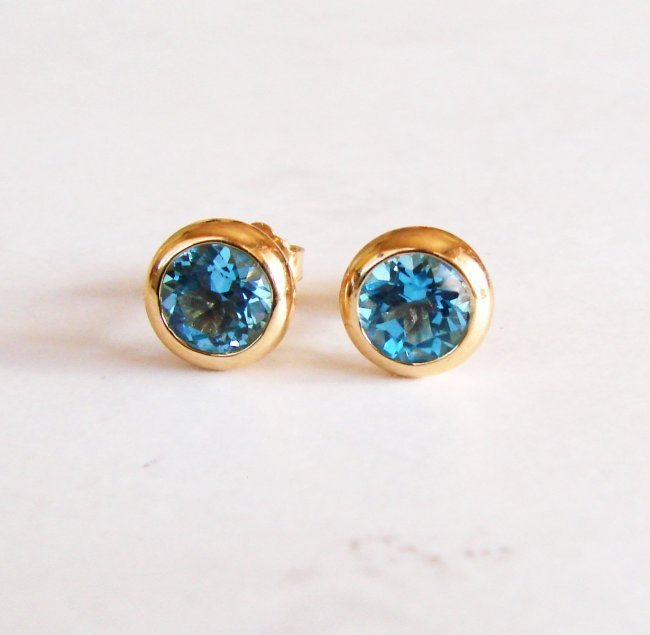 1803: Swiss Blue Topaz Stud Earring 3.10Ct 14k Y/g