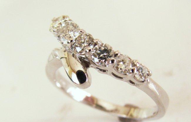 1075:Graduation Diamond Rings 1.00Ct 14k White Gold