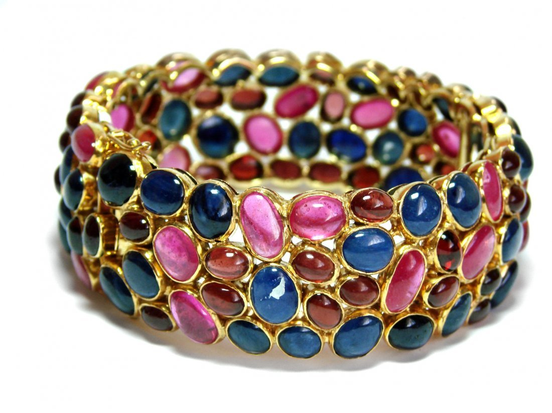 Cabochon: Ruby/Sapphire Bangle 145.Carat 18k Y/g Overla
