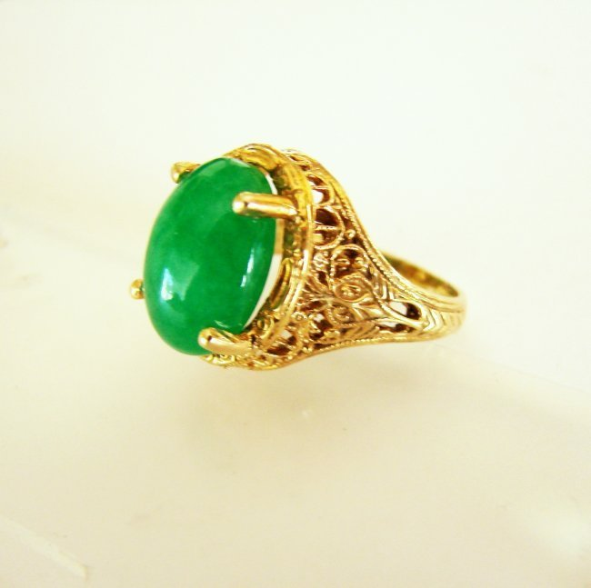 Antiquse Ring Jadeite Jade 6.82 Carat 18k Yellow Gold