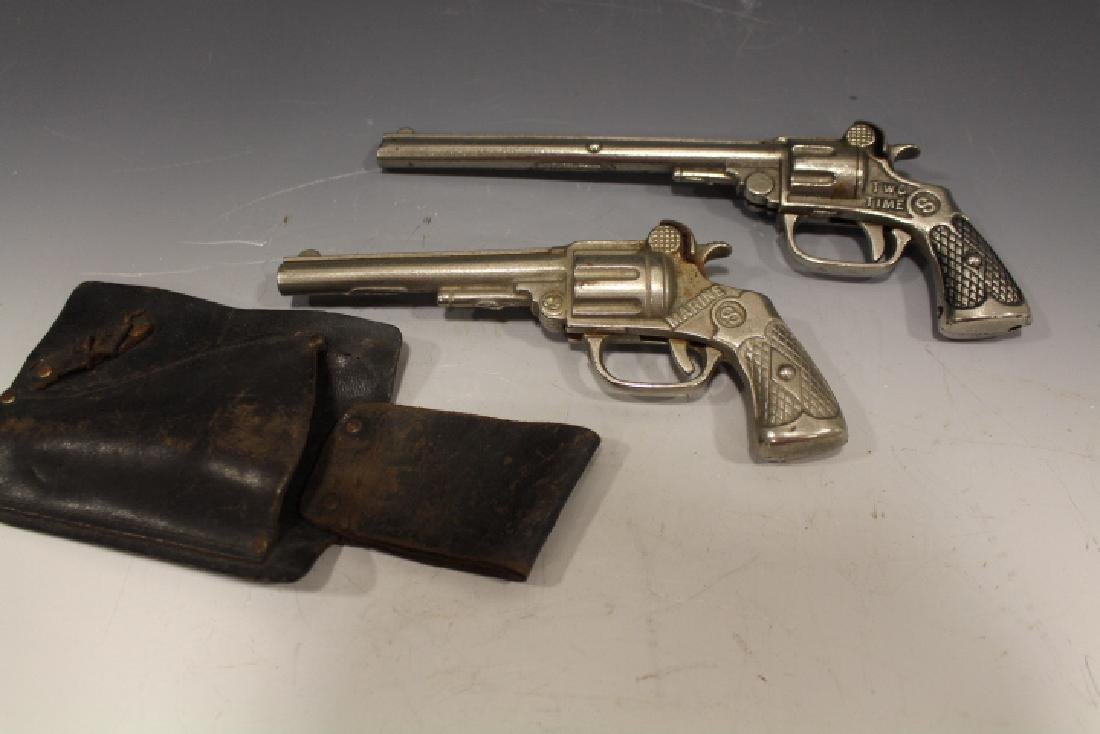 1923 Kenton Cap Guns - 1 w/Holster - Shoots Rubber