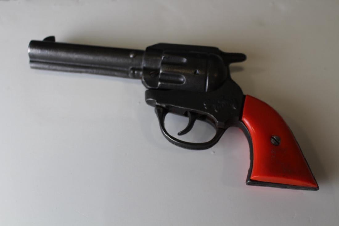 Kenton Gene Autry Cast Iron Repeating Cap Gun