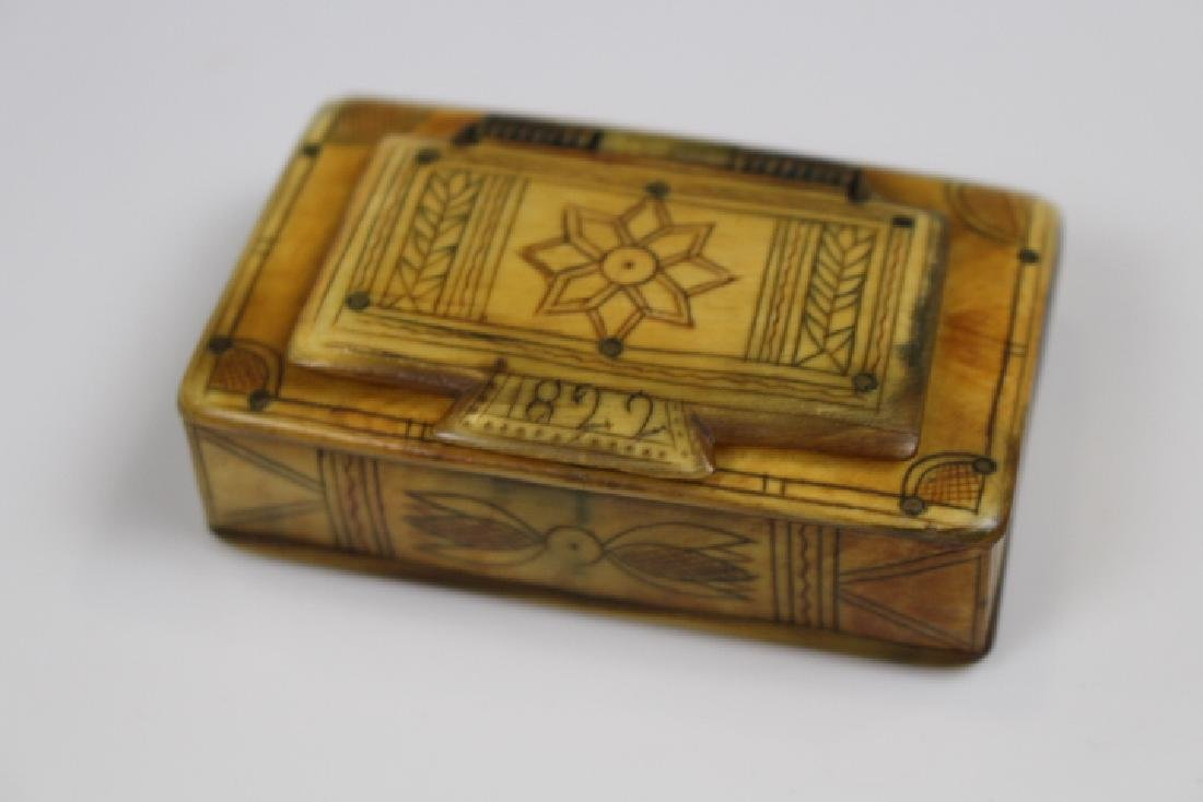 1822 Horn Scrimshaw Decorated Snuff Box