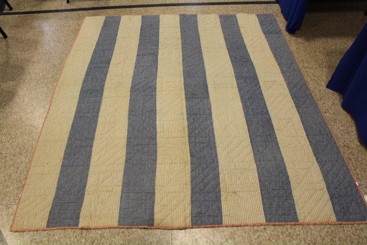 9 Patch Antique Quilt - Pink & Navy - 7