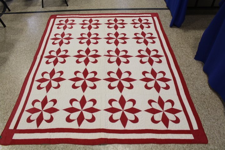 Red and White Antique Pieced Quilt - 5