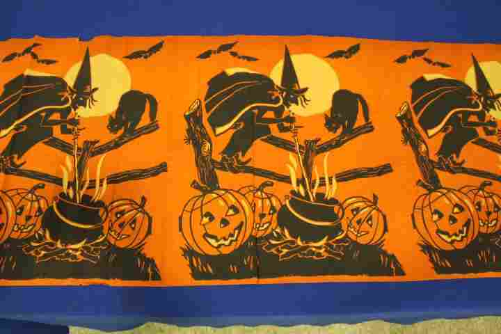 Halloween Crepe Paper Panels Witch Cauldon - 76""