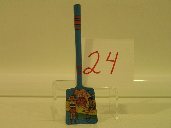 24: Pre-1930 Ohio Art Small Tin Sand Shovel - Excellent