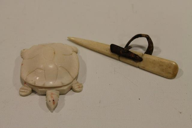 Carved Turtle and Sailor Pick