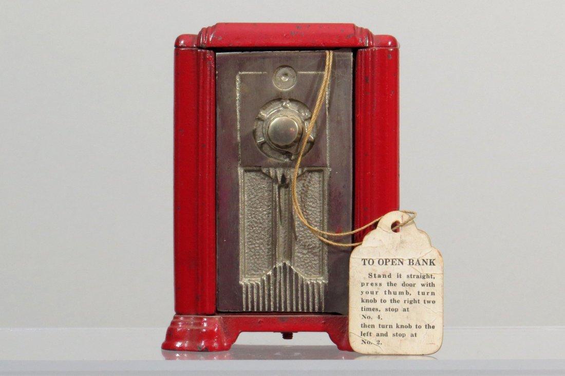 CI Upright Radio Bank