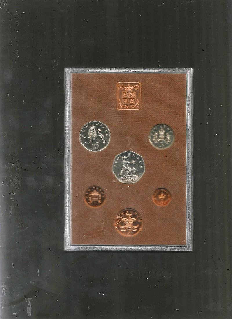 UK GB 1974 Proof coin set, mounted in a plastic display