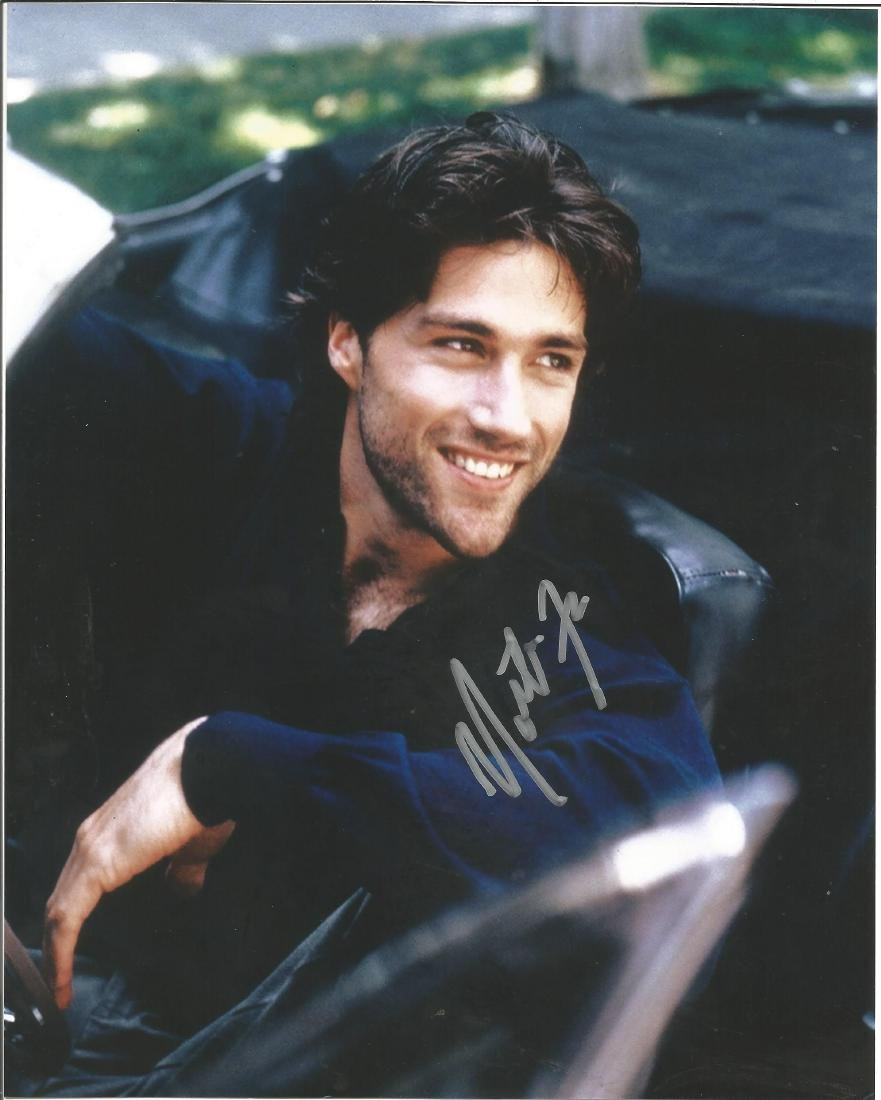 Movies and TV Mathew Fox 10x8 signed colour photo.