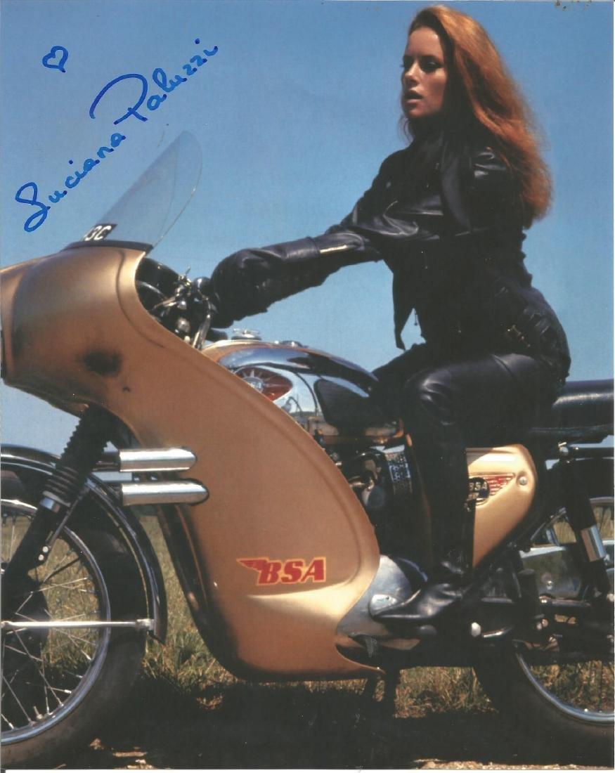Luciana Paluzzi signed 10x8 colour photo. Good