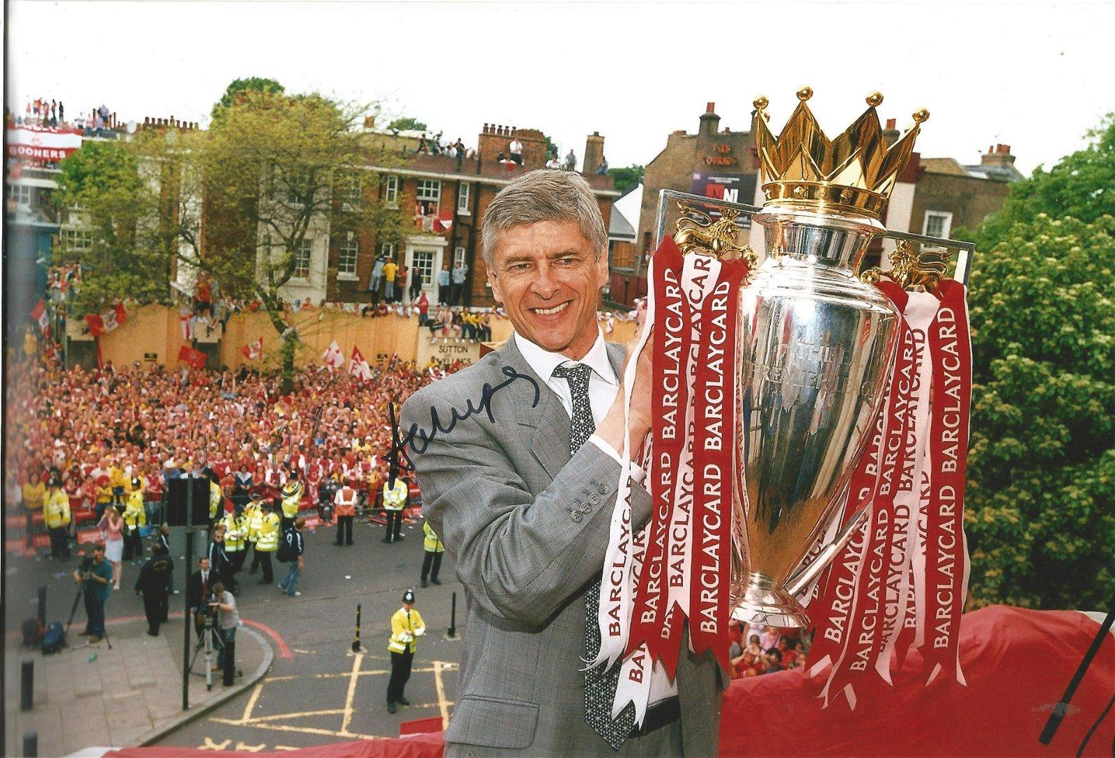 Arsene Wenger Signed Arsenal 8x12 Photo. Good