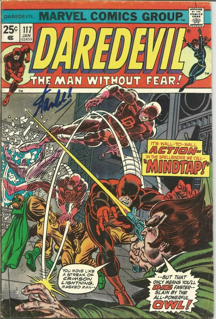 Stan Lee signed Daredevil comic. Signed on front cover.
