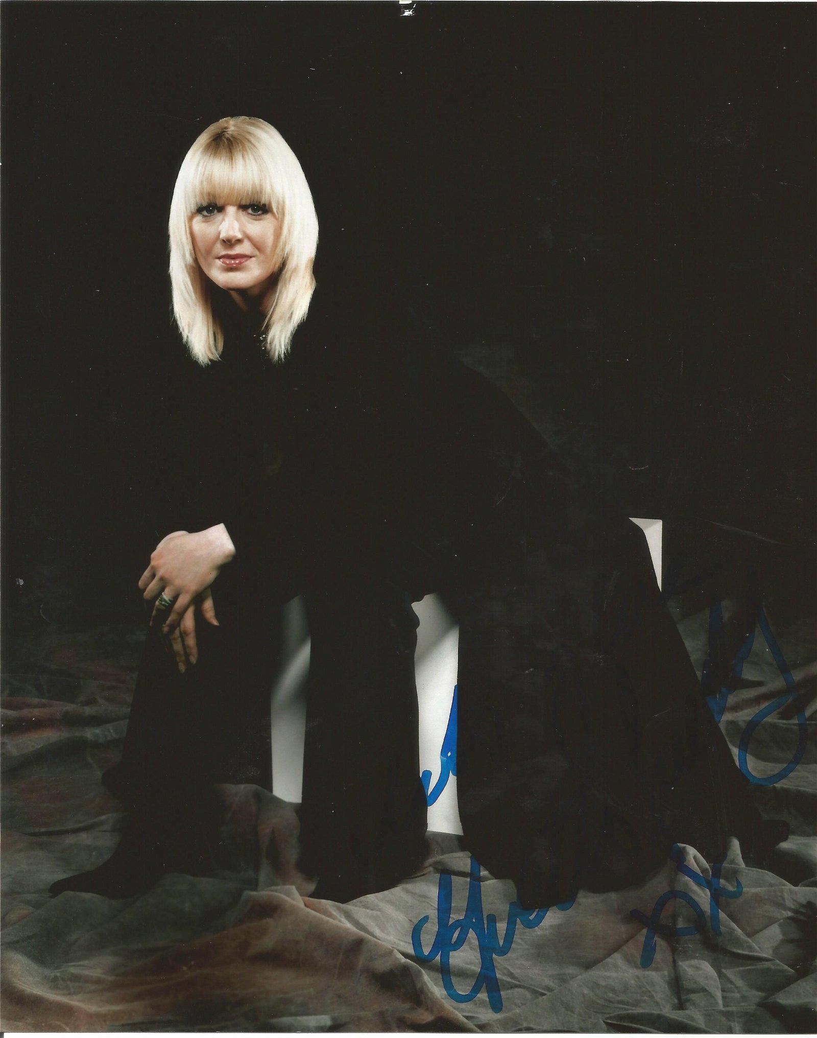 Yvette Fielding signed 10 x 8 colour Photoshoot