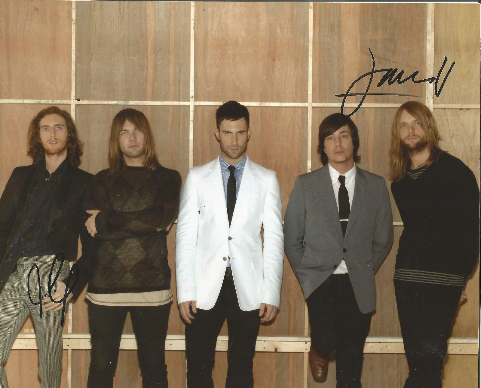 Maroon 5 signed 10 x 8 colour Group Photo Signed by P J