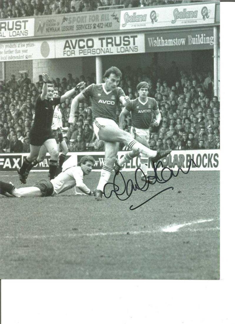 Mark Ward 10x8 Signed B/W Football Photo Pictured In