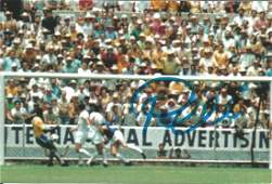 Football Pele 4x6 signed colour photo pictured during
