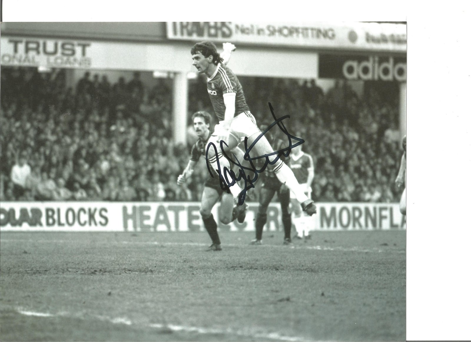 Football Ray Stewart 10x8 Signed B/W Photo Pictured In