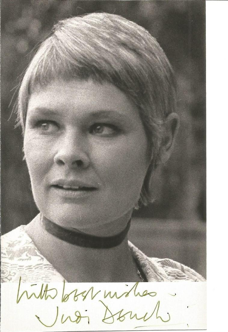 Judi Dench signed 6x4 black and white photo. Good