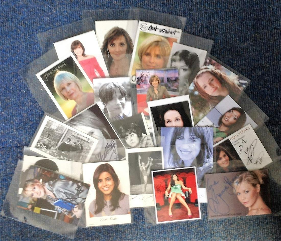 TV Collection 20 signed 6x4 assorted photographs