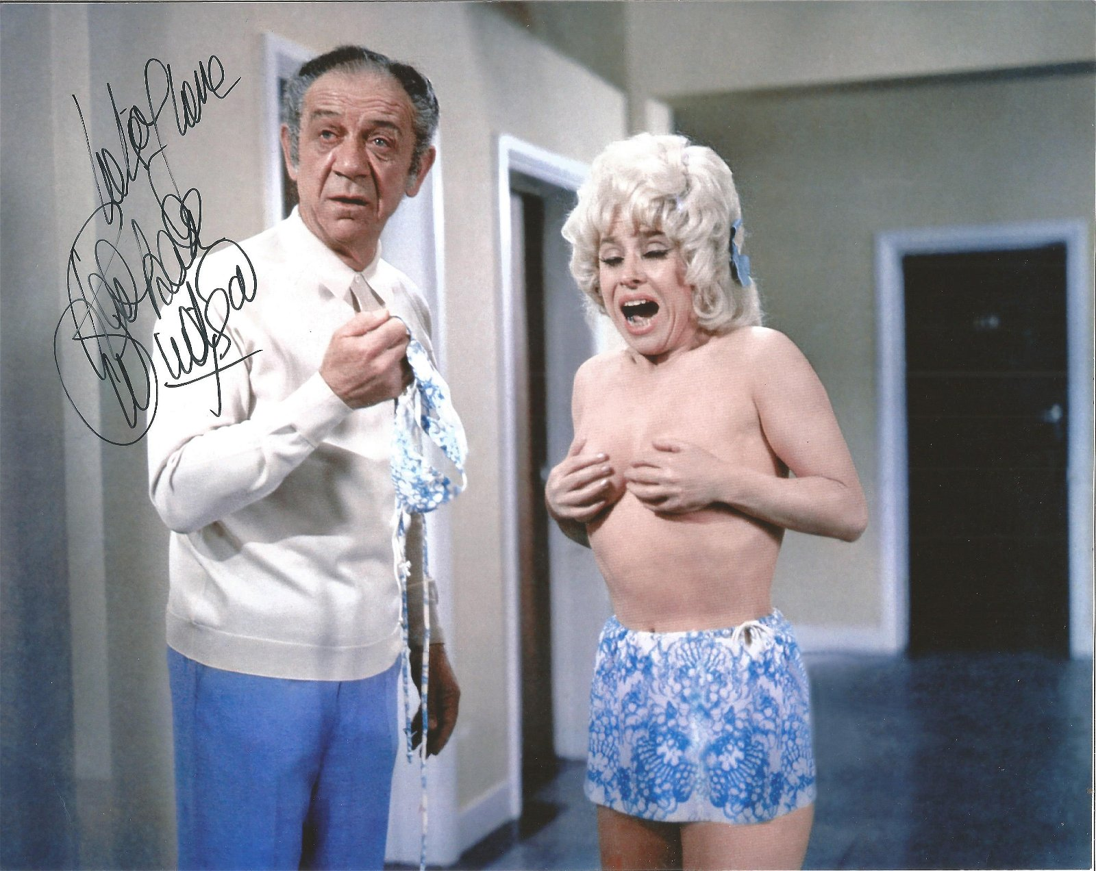 Barbara Windsor signed 10x8 colour photo from Carry on