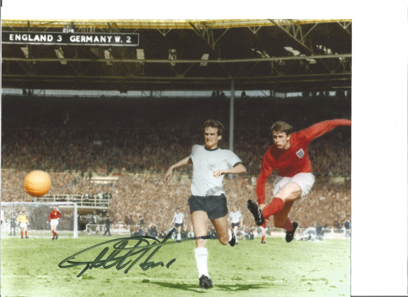 Sir Geoff Hurst 8x10 signed colour photo pictured