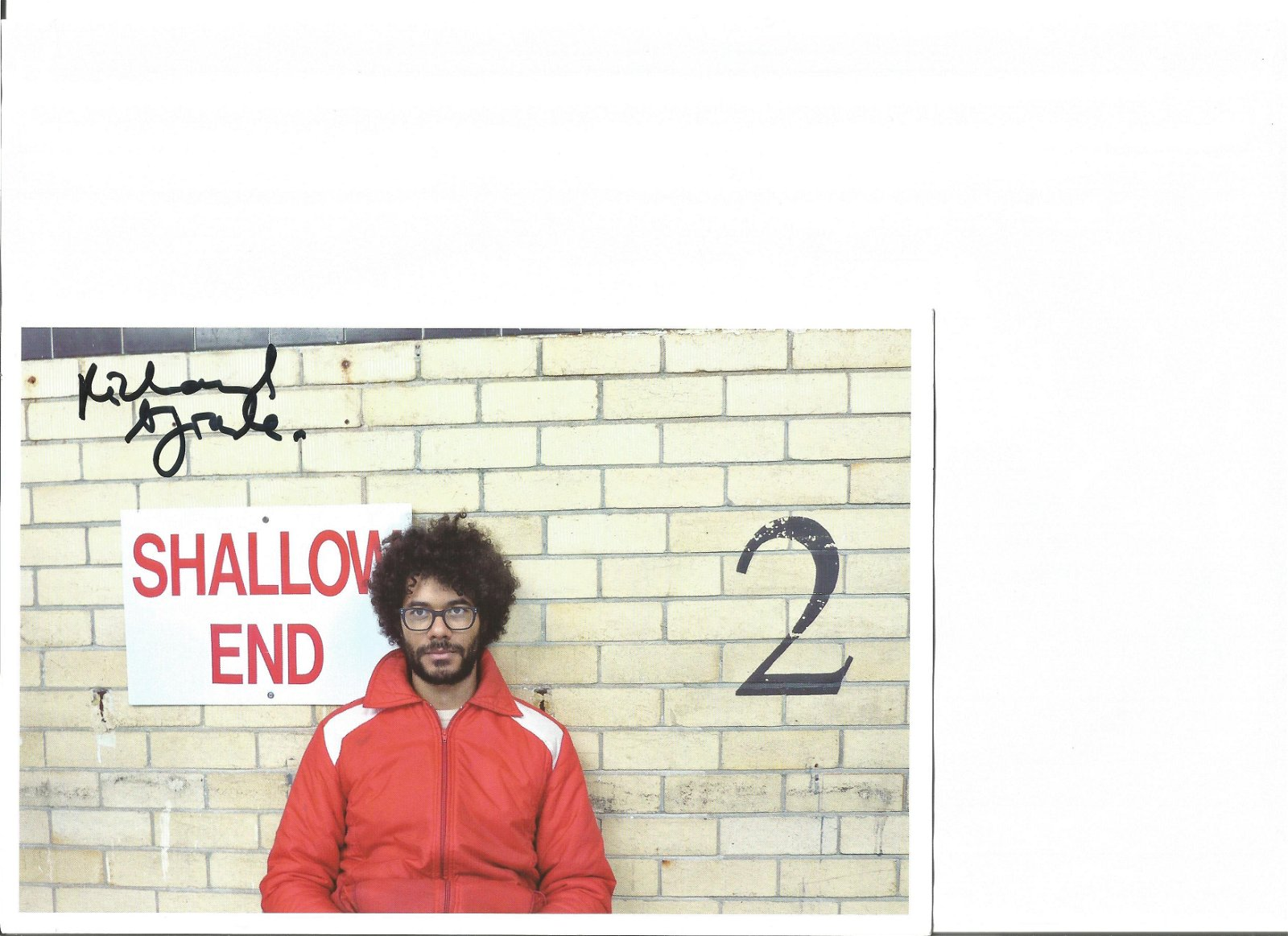 Richard Ayoade of The It Crowd signed 6x8 colour photo