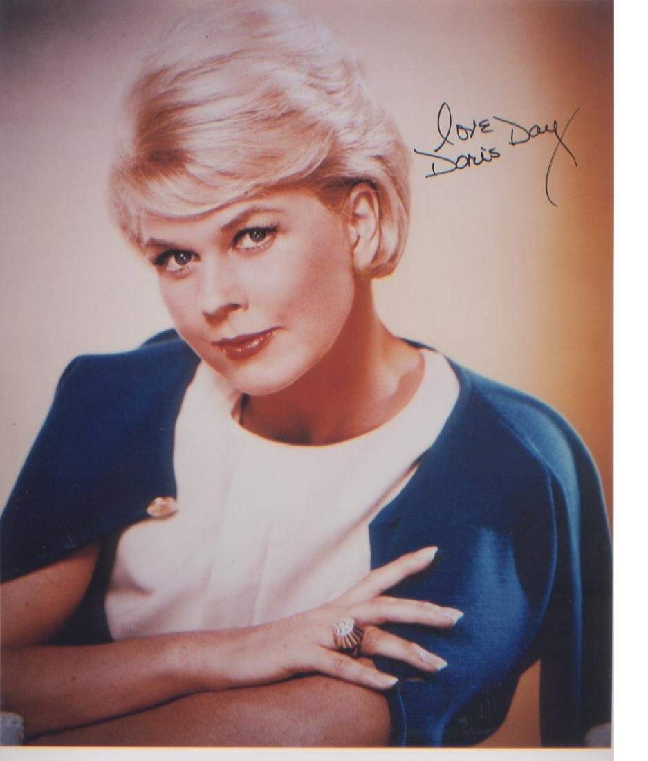 Doris Day signed 10 x 8 photo. Good Condition. All