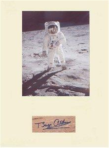 Apollo11 Buzz Aldrin. Signature mounted with iconic