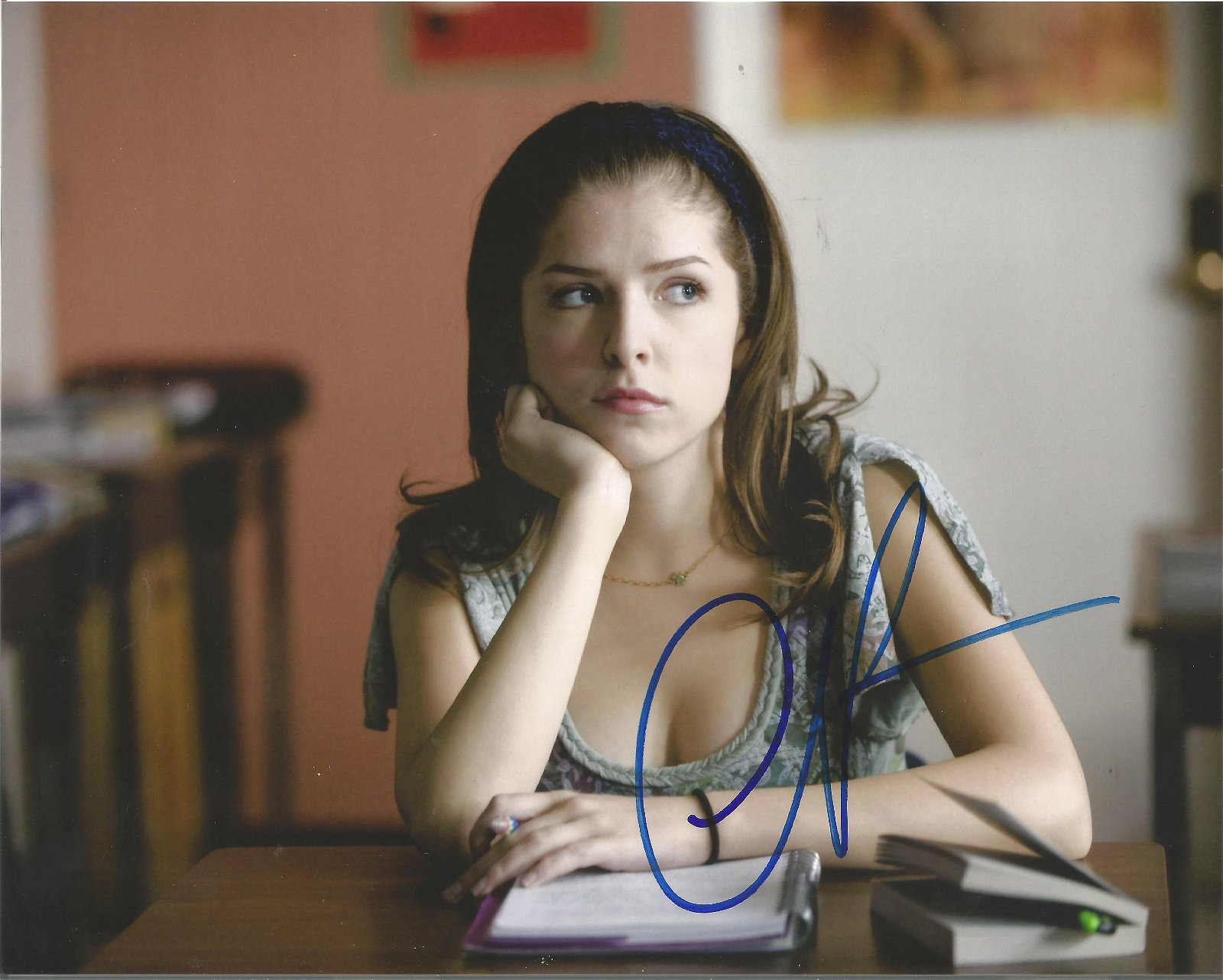 Anna Kendrick signed 10x8 colour photo. Good Condition.