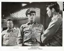 Robert Mitchum Signed promo photo black and white 10 x