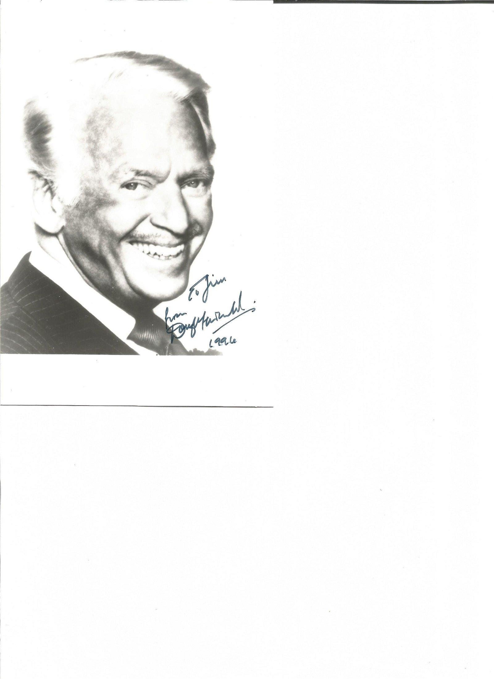Douglas Fairbanks Jnr signed 7x5 black and white photo.