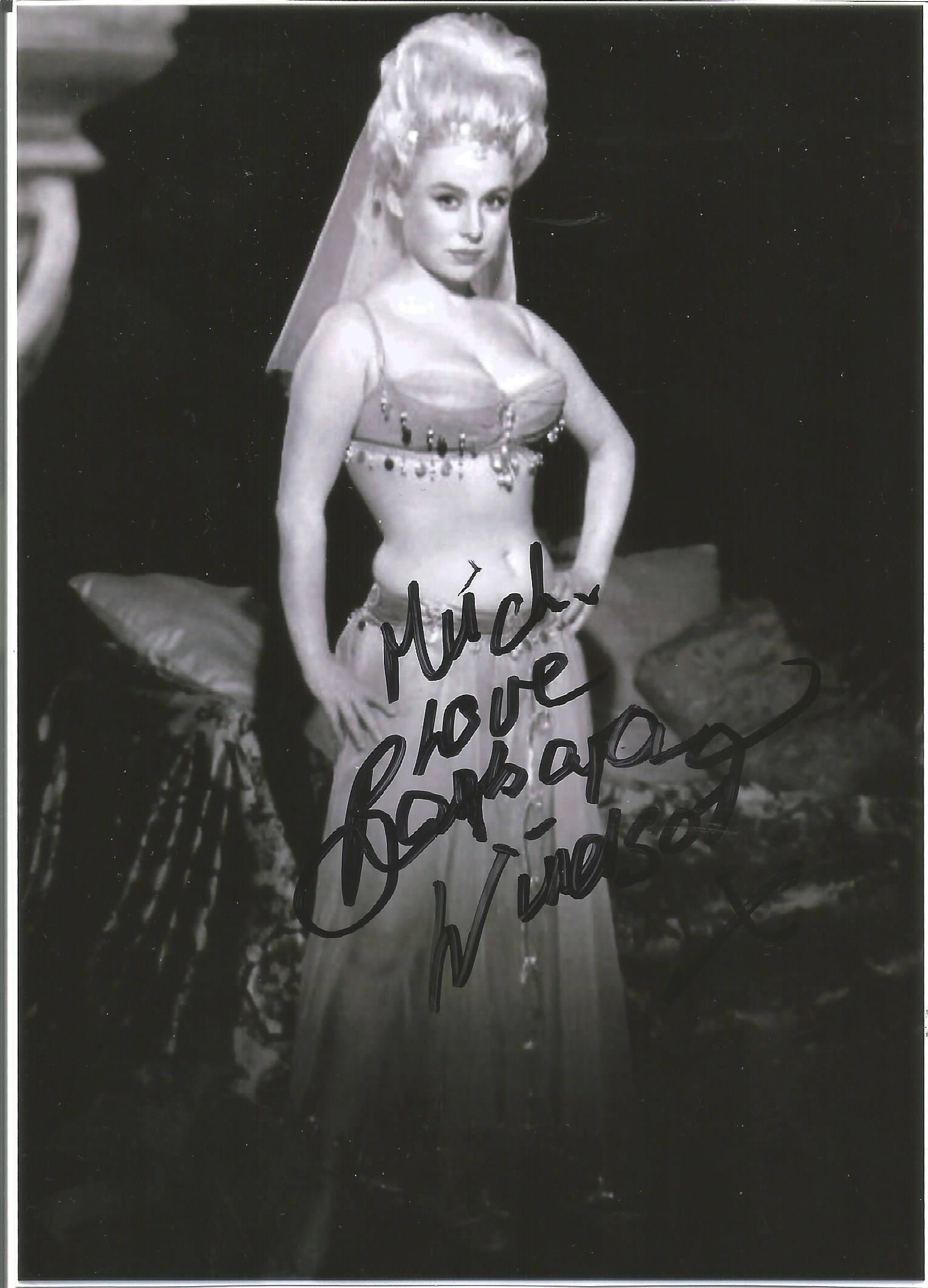 Barbara Windsor Actress Signed Carry On 5x7 Photo .